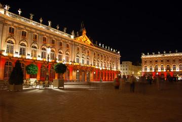 La Place Stanislas de Nancy la nuit