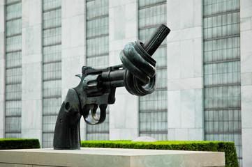 Denkmal am UNO-Gebäude, New York