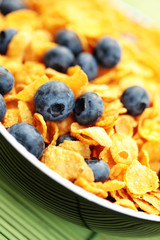 corn flakes with blueberry fruits
