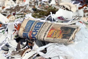 Photo sur Aluminium Journaux Zeitung mit Schlagzeile