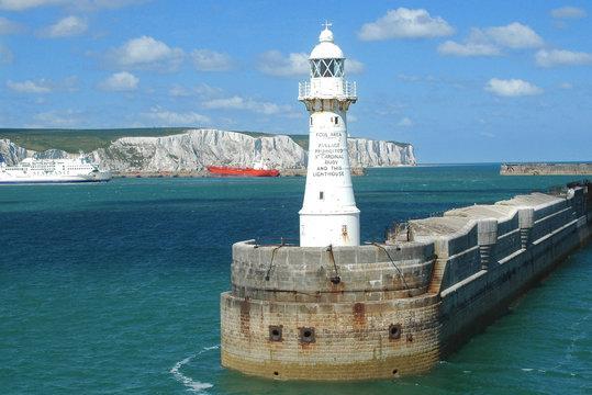 Dover Hafeneinfahrt