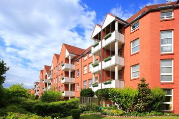 Wohnhaus im Grünen, Fassade, Mehrfamilienhaus, Deutschland
