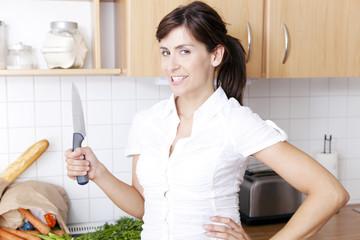 spaß mit dem messer in der küche