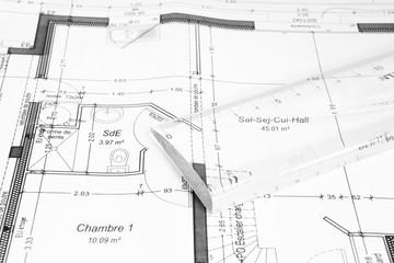 plan de maison avec règle