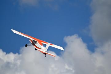 aeromodello in volo