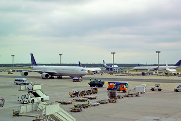 Fotobehang Luchthaven Germany, airplane traffic at Frankfurt airport