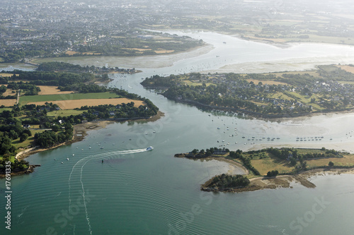 vue aerienne de l\'île de Boedic, Vannes, Golfe du Morbihan (56 ...
