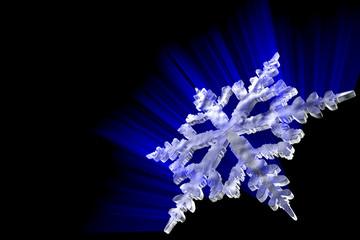 Snowflake. Hi-res digitally generated image.