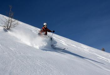discesa in neve fresca