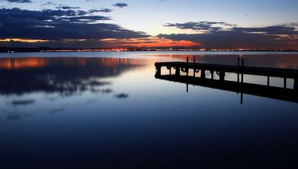 Deurstickers Pier reflejos de noche