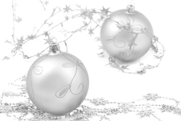 silber weihnachtskugeln