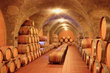 Weinkeller, Eichenfässer, Montalcino Toskana, Italien