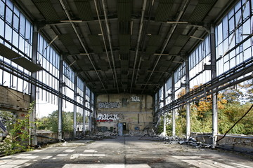 Fabrikhalle, Ruine