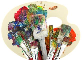 palette peintre pinceaux fond blanc