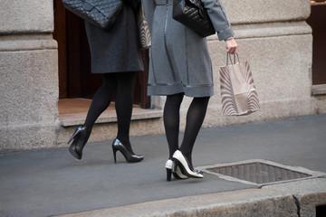 Donne e shopping