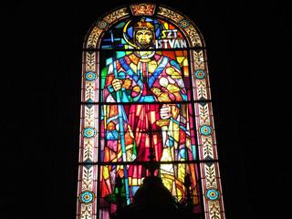 Budapeszt witraż w bazylice św. Stefana