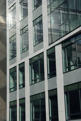 façade urbaine vitrée