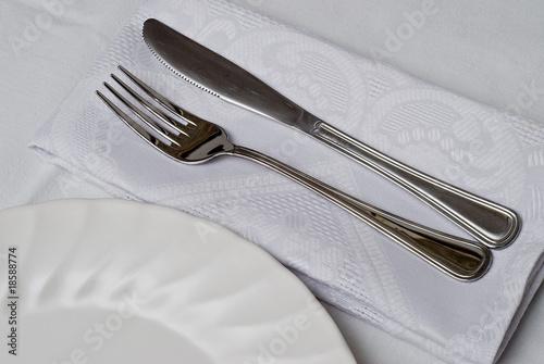 Plato cuchillo y tenedor for Plato tenedor y cuchillo