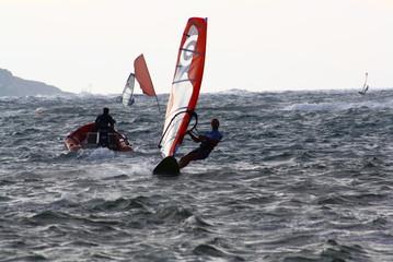 Windsurfer bei Rettungsaktion