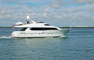 White Motor Yacht on the Florida Intercoastal Waterway
