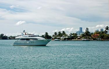 White Yacht on The Intercoastal off Dilido Island