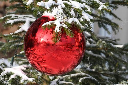 geschm ckter weihnachtsbaum stockfotos und lizenzfreie bilder auf bild 18758398. Black Bedroom Furniture Sets. Home Design Ideas