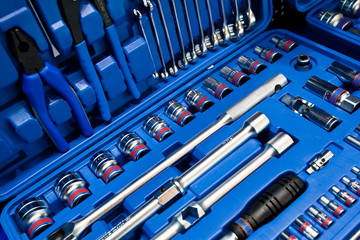 Kit of metal spanners scredrivers