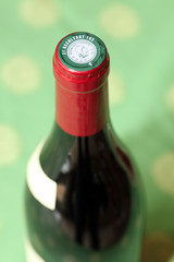 Vin rouge - détail haut de bouteille #2