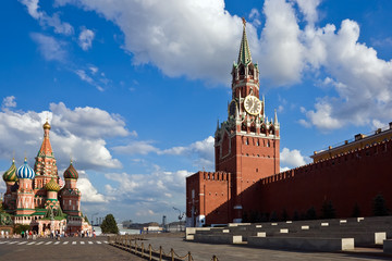 Fotomurales - St Basil's Cathedral and Spasskaya tower on Red Square, Moscow