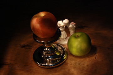 Apples, candlestick