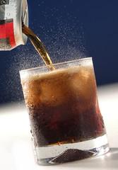 Sirviendo soda de cola. México