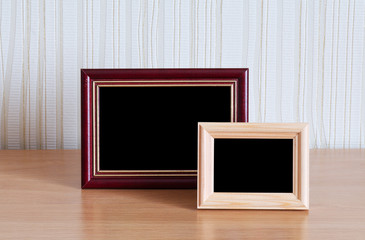 photo frames table