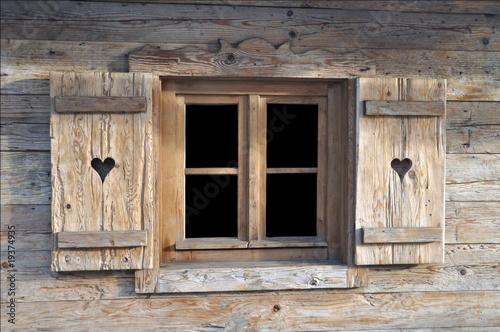 holzh tte stockfotos und lizenzfreie bilder auf fotolia. Black Bedroom Furniture Sets. Home Design Ideas