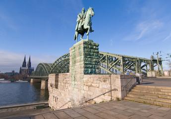 Fototapete - Kölner Dom, Kaiser Wilhelm I., Hohenzollernbrücke