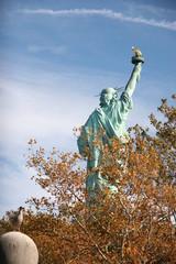 LIBERTY STATUE TRAVEL NEW YORK