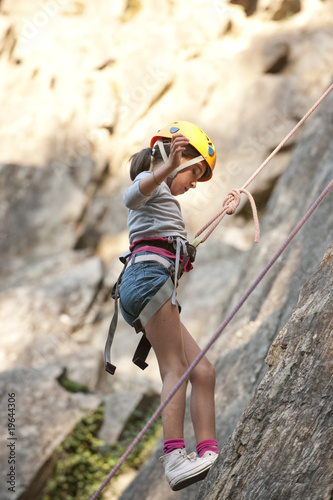 Enfant en cole d 39 escalade ar ches savoie france stock photo and royalty free images on - Prise escalade enfant ...