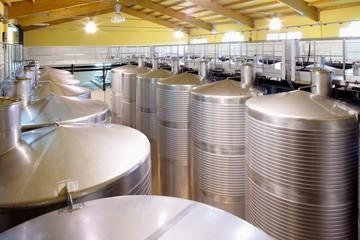 Wall Mural - Edelstahl Tank zur Weinveredelung,Weinkeller,Stahltank