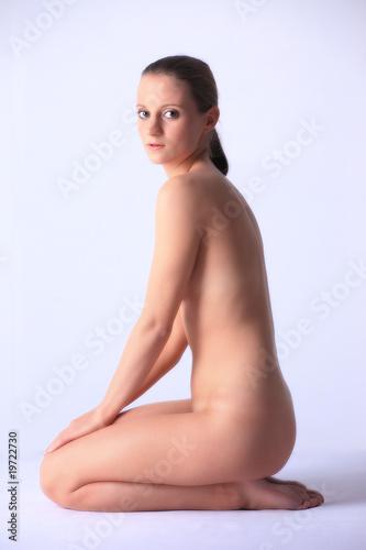 Jeunes femmes nues photos