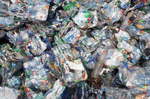 recycling pet flaschen stockfotos und lizenzfreie bilder auf bild 19751741. Black Bedroom Furniture Sets. Home Design Ideas