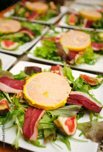 Assiettes de foie gras photo libre de droits sur la - Decoration assiette de foie gras photo ...
