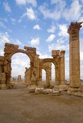 The monumental arch Palmyra