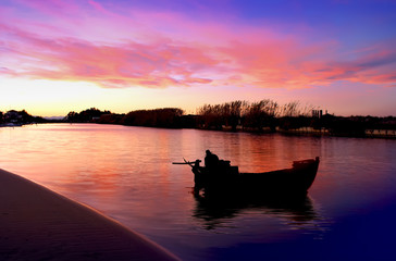 Deurstickers Pier la barca en el rio