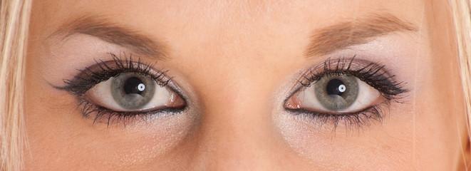 Blue-green eyes
