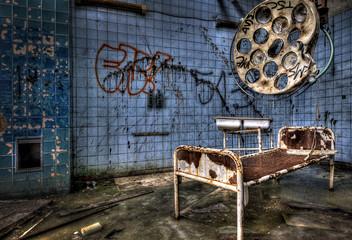 Photo sur Toile Ancien hôpital Beelitz gesetzlich versichert?