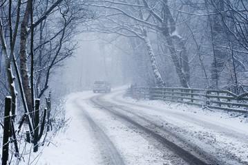 4 x 4 on snowy road