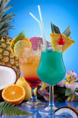 Foto: Most popular cocktails series - Mai Tai and Blue Hawaiian