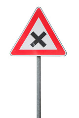 Segnale stradale di attenzione incrocio isolato