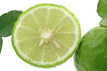 citrus hystrix, combava, fond blanc