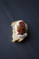 Toast de fromage de chèvre à l'apéritif