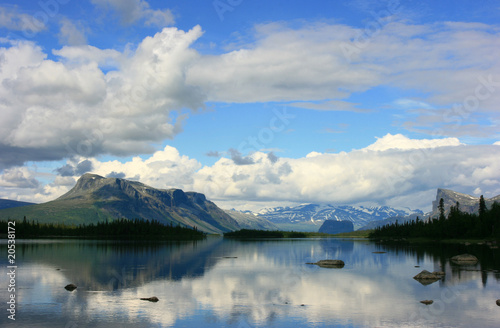 Wall mural River and mountains in arctic National Park